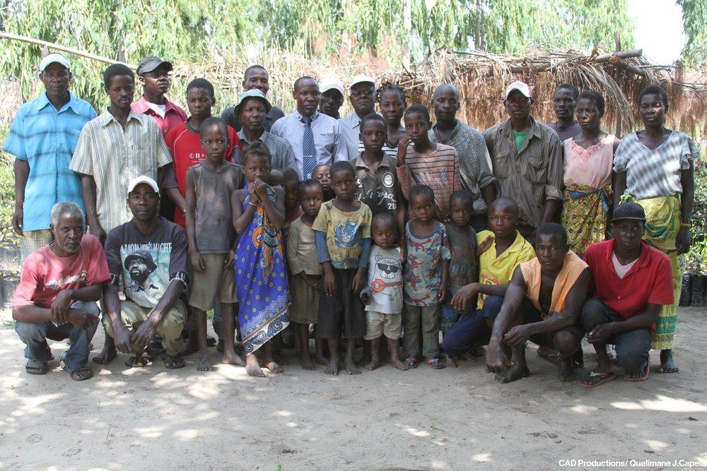 Through MozDGM, the World Bank ILM Portfolio is encouraging projects designed by communities for communities.  Através do MozDGM, o Portfólio ILM do Banco Mundial está encorajando projetos desenhados pelas comunidades para as comunidades.