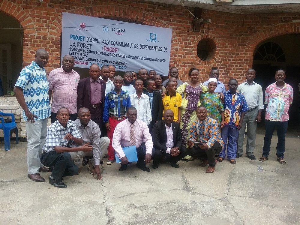 Projeto de Apoio às Comunidades Dependentes da Floresta - Documento do ProjetoFinanciamento: 6 milhões de dólaresAprovação do Programa de Investimento Florestal: Junho de 2015Aprovação do Banco Mundial: Abril de 2016Implementação: De abril de 2016 a julho de 2021Comitê Gestor Nacional: ListaAgência Executora Nacional: Caritas Congo, ASBLWebsite | Fundo de Investimento Climático | Banco MundialFacebook