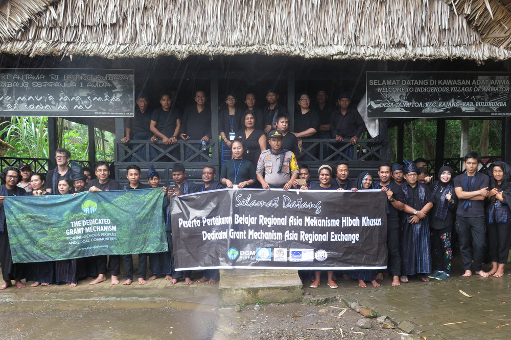 Asia Exchange - South Sulawesi, Indonesia - February 201815 IPLC Participants (5 Women)10 Non-IPLC Partners6 Countries RepresentedKey Topics: Climate Policy, Indigenous Peoples and the Paris Agreement, LCIP Platform, Land Tenure and Titling, Shifting CultivationCommunities Visited: Tana Beru, KajangAgenda | Booklet