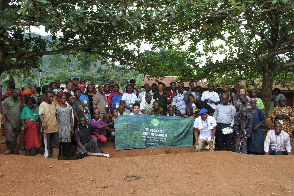 Intercâmbio Regional da África - Kumasi, Gana - Agosto de 201734 Participantes de PICLs (11 Mulheres) 6 Parceiros Não PICL10 Países RepresentadosPrincipais Tópicos: Políticas Climáticas e o Acordo de Paris, Sistemas Agroflorestais, Manejo Florestal Sustentável, Manejo Florestal Comunitário, Agricultura Inteligente para o ClimaComunidades visitadas: Datano, Kofikrom, YawkromAgenda   Manual   Relatório