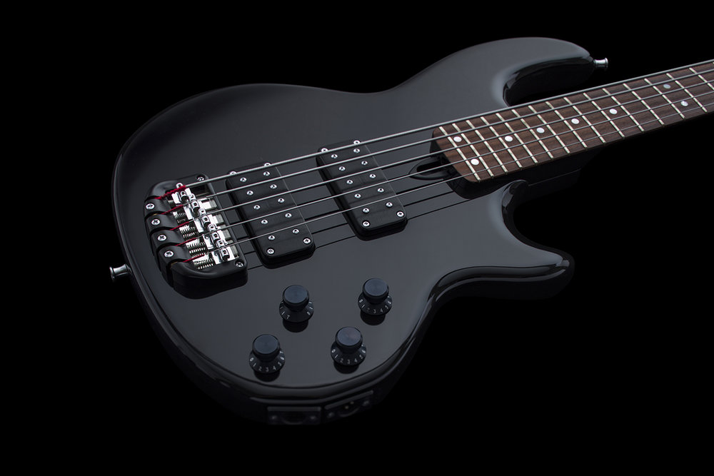 WAL-80-MARK-II-5-STRING-BLACK-SN-W2766-026.jpg