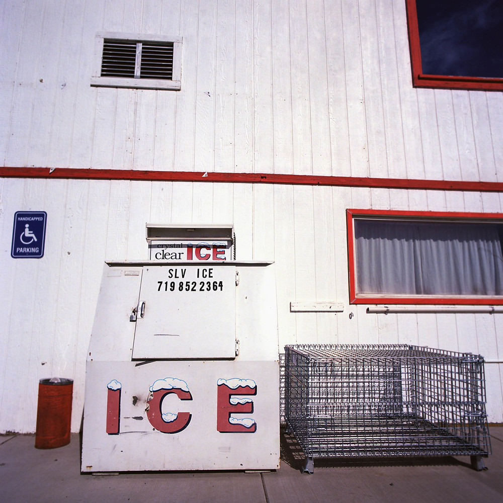 ICE AT A SINCLAIR GAS STATION