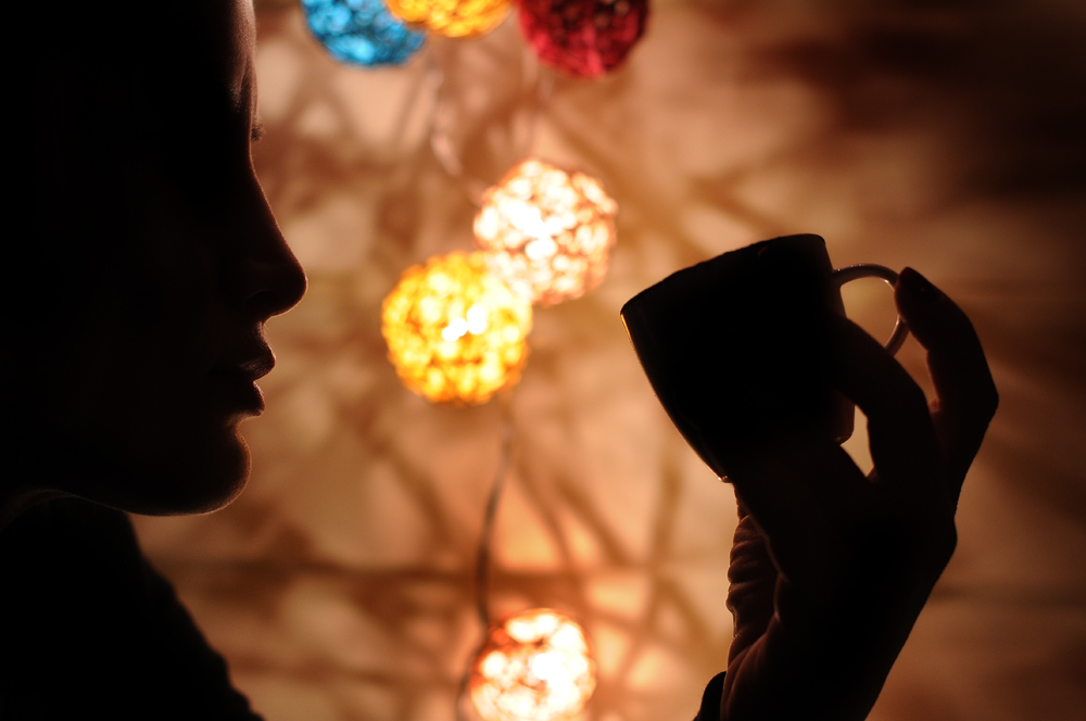 turish coffee reader silhoutte.jpg