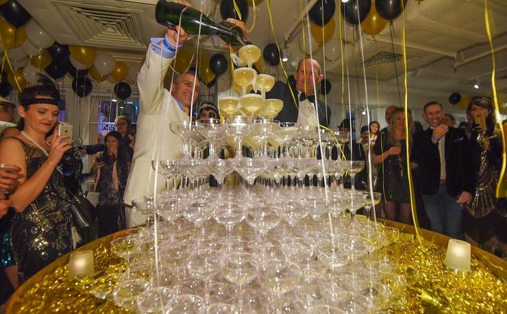 champange-gatsby-party.jpg