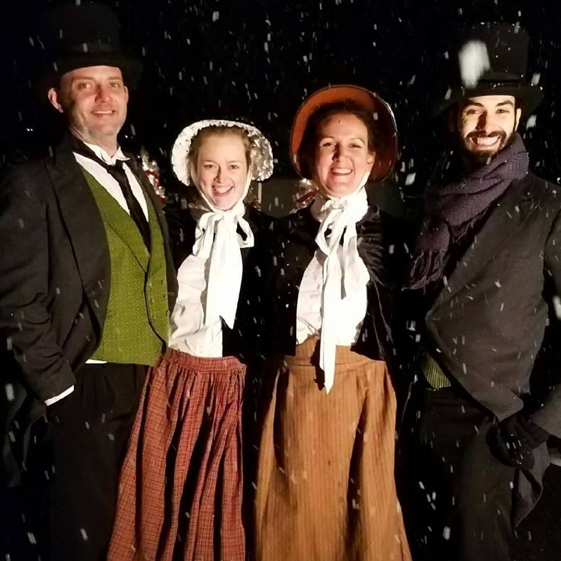 Charleston Caroling    Victorian dressed acapella Quartet