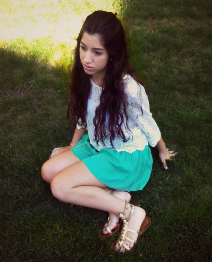 H&M white lace top, Zara green skort, Nordstrom metallic gold sandals