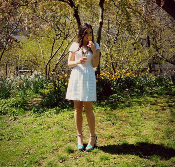 Aqua white eyelet dress, vintage necklace,Vince Camuto Nedra Sandalin blue goddess