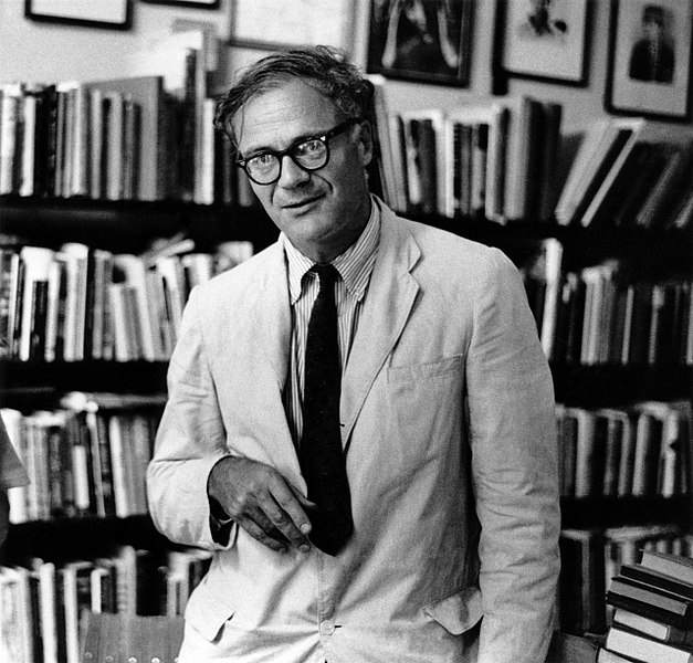 627px-Robert-lowell-by-elsa-dorfman.jpg