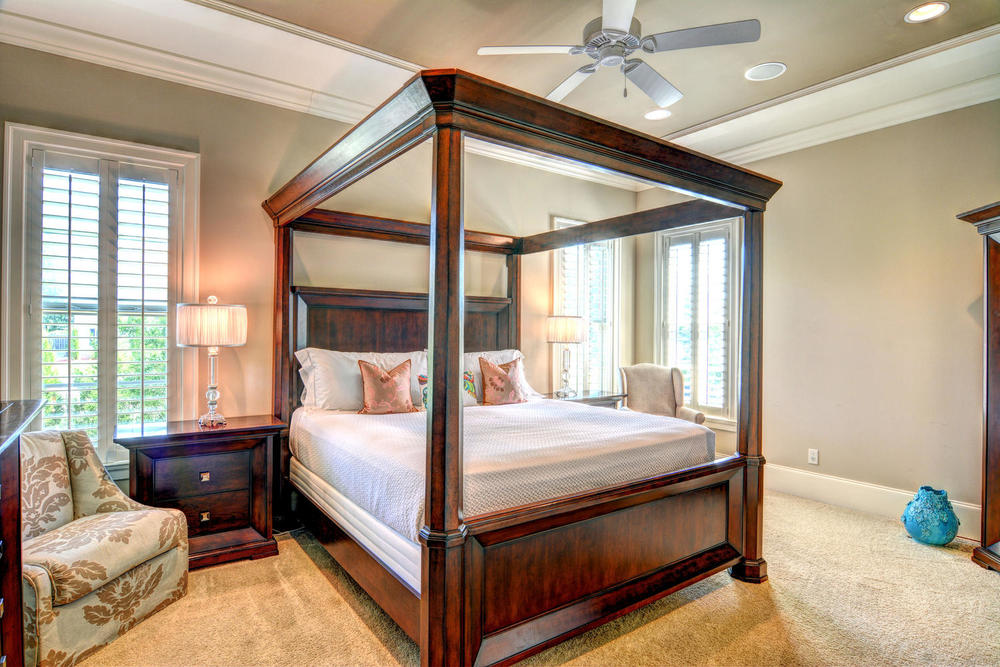 5420 Andrews Reach Loop-large-017-19-Master Bedroom-1499x1000-72dpi.jpg