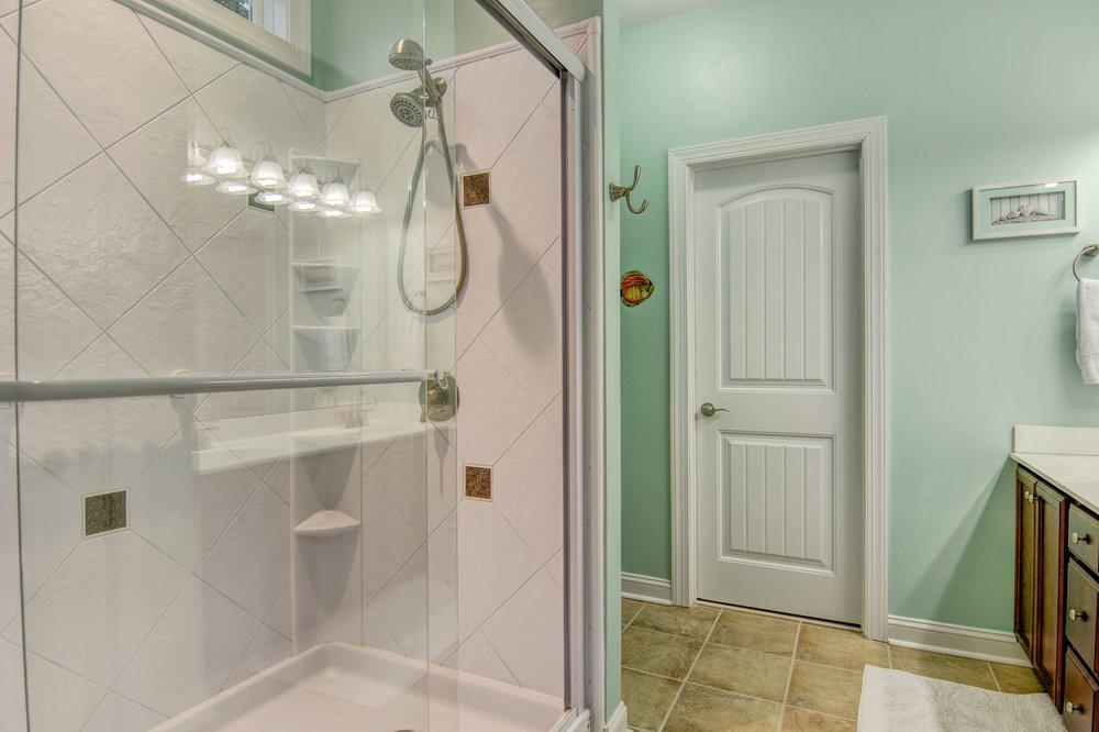 246 Derby Downs Dr Sneads-print-017-12-Master Bath-4200x2799-300dpi.jpg