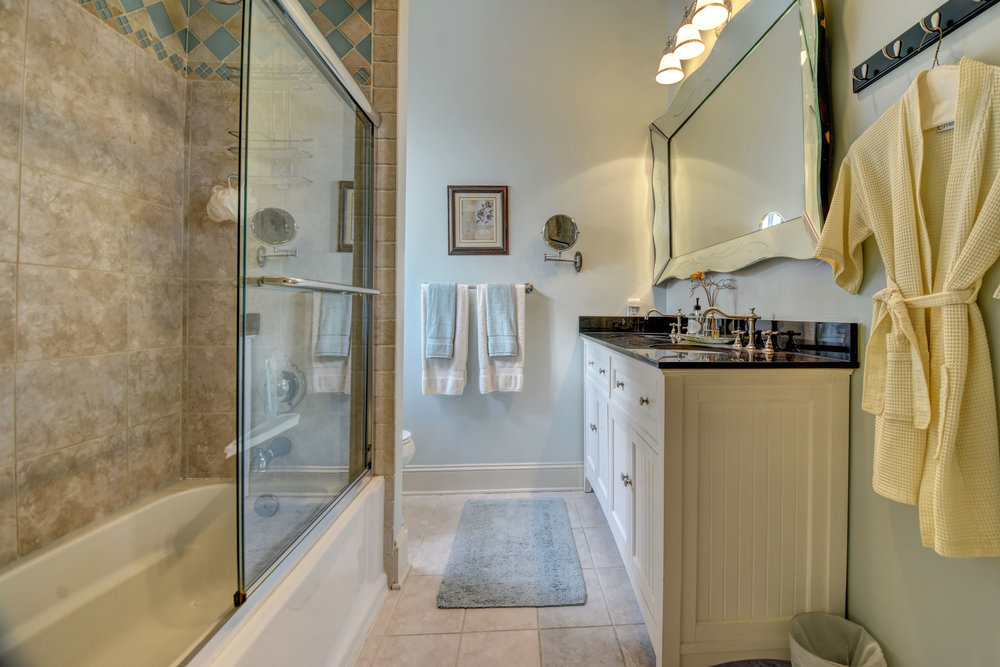 605 Dock St Wilmington NC-print-033-30-Master  Bathroom Ensuite-4200x2802-300dpi.jpg
