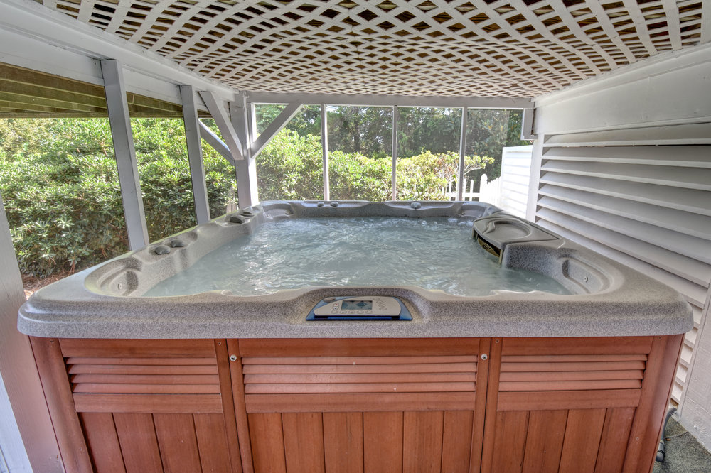 842 Shinn Point Rd Wilmington-print-059-108-Hot tub-4200x2800-300dpi.jpg