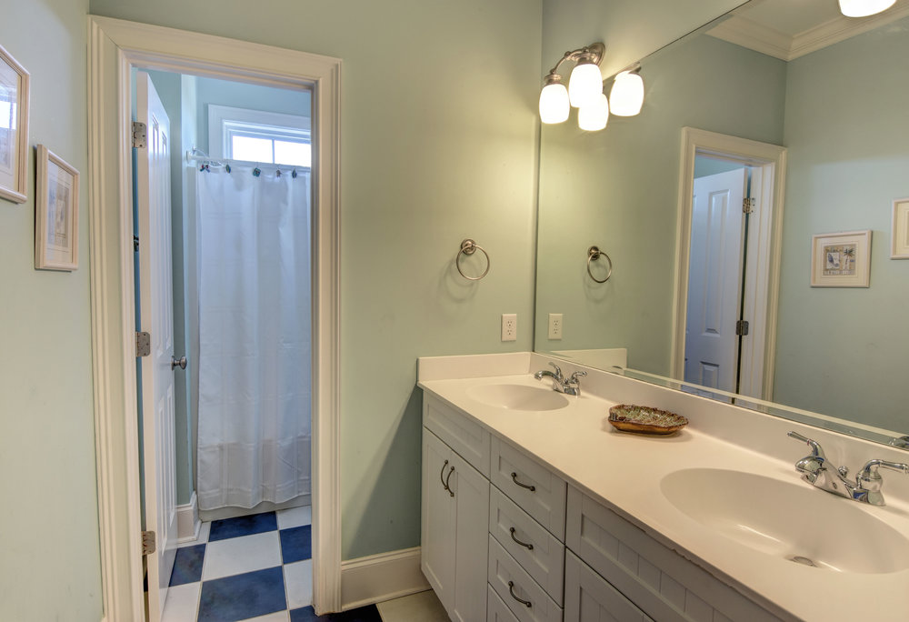 1514 Bowfin Lane Unit 2-print-024-23-Guest Bath 3rd level-4200x2872-300dpi.jpg