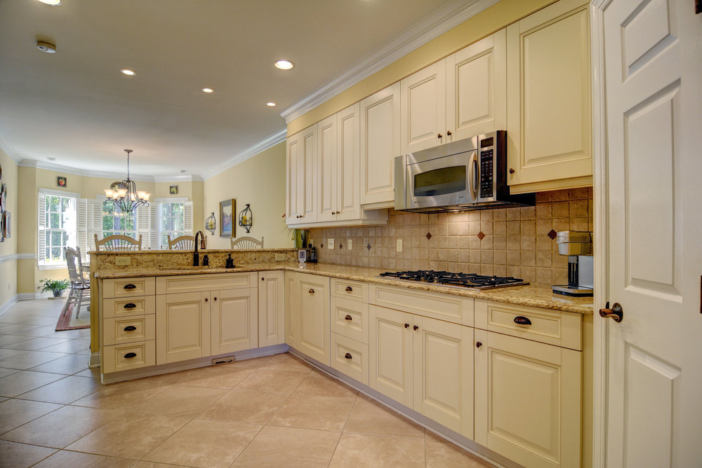 2114 Bay Colony Ln Wilmington-print-011-24-Kitchen-4200x2806-300dpi.jpg