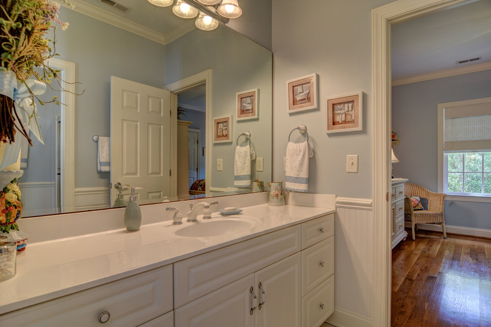 2114 Bay Colony Ln Wilmington-print-023-18-Bathroom 3-4200x2801-300dpi.jpg