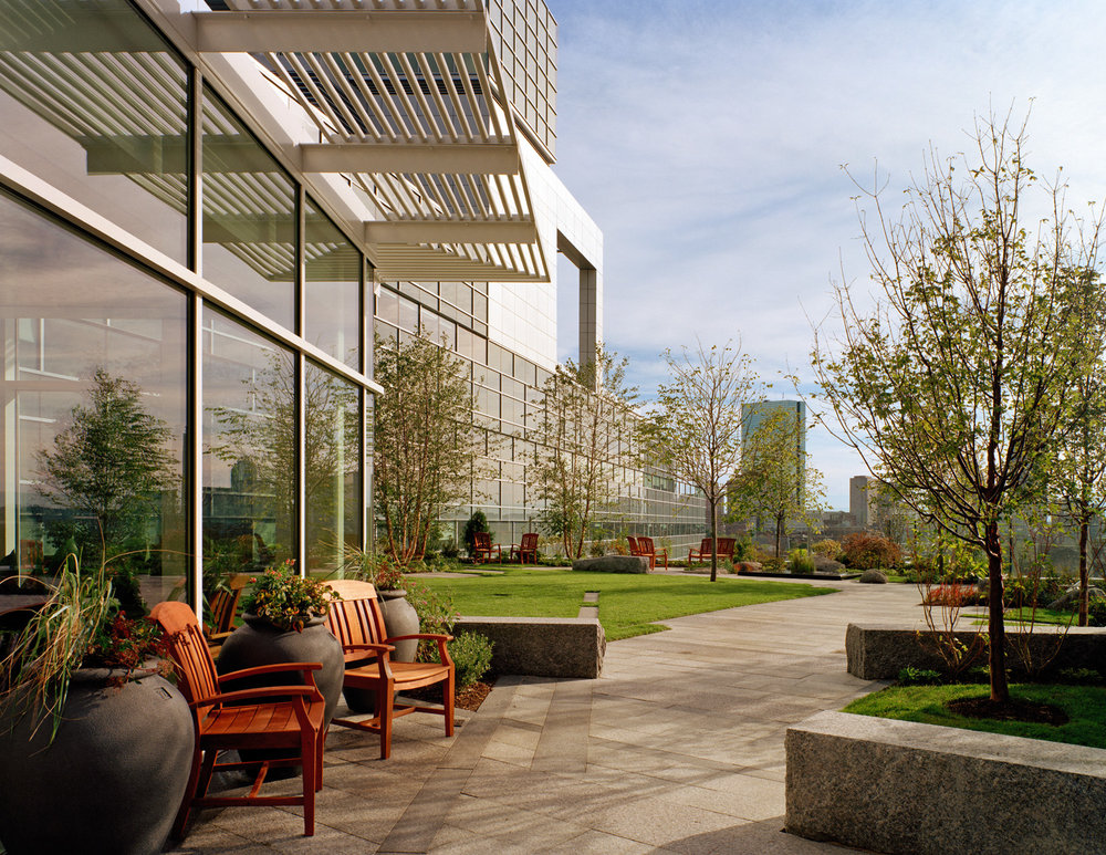 MGH HEALING GARDEN AT YAWKEY CANCER CENTER