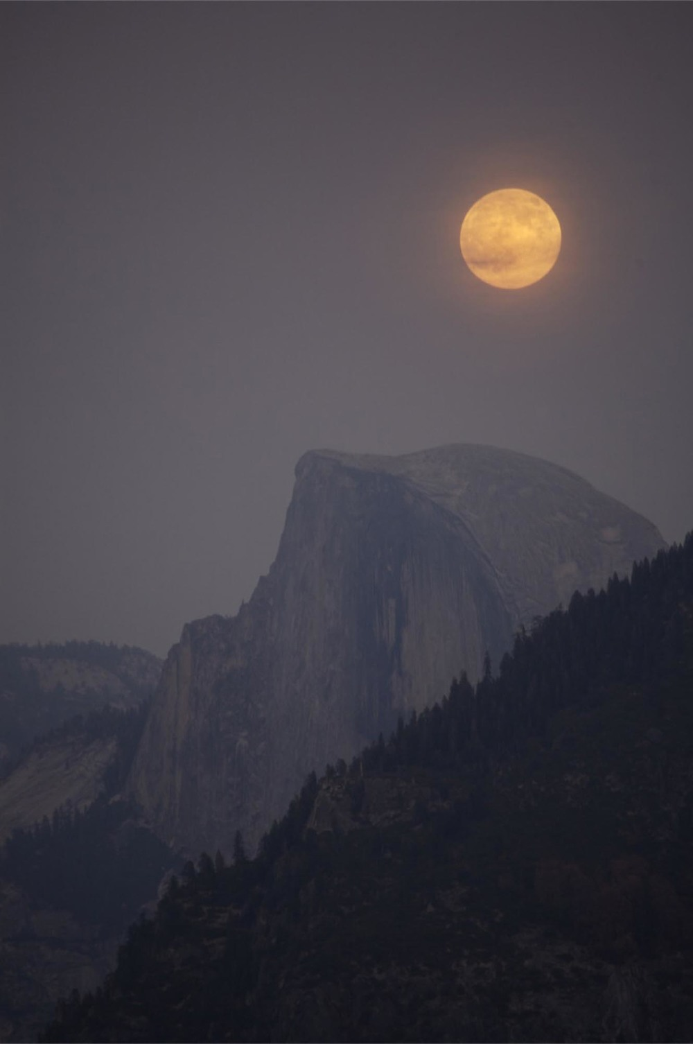 MoonoverHalfDome.jpg