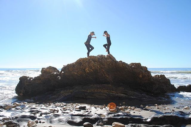 Tidepooling with the fam, good to have the gang back together! #santabarbara #family #outdoors #calichristmas #yogafail