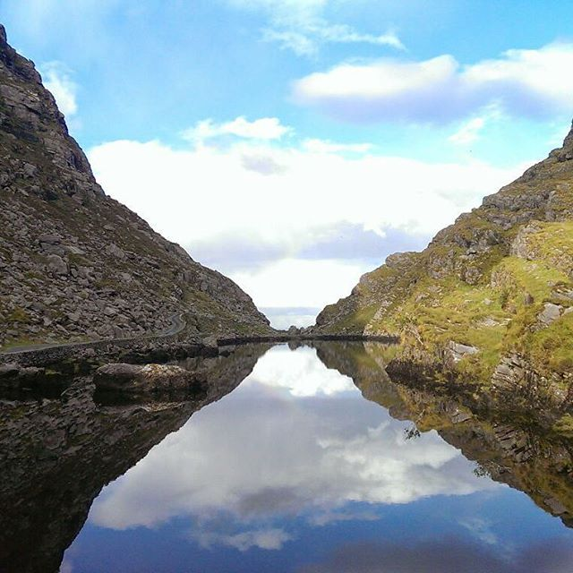 #tbt #nofilter to #thegapofdunloe #Kerry This is one of my fav scenic shots, it's just #perfect #beautiful #travel #Ireland #hiddengem #lovelife #inspired