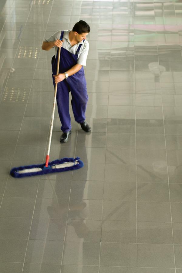Limpieza de pisos de azulejo