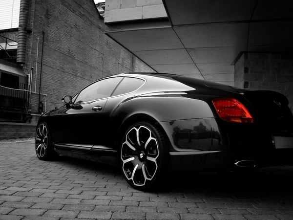black and white black cars 1152x864 wallpaper_www.wall321.com_46.jpg