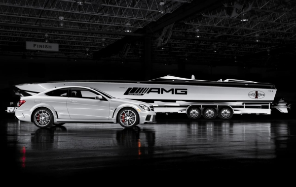 amg-black-series-cigarette-boat-has-2700-hp_7.jpg
