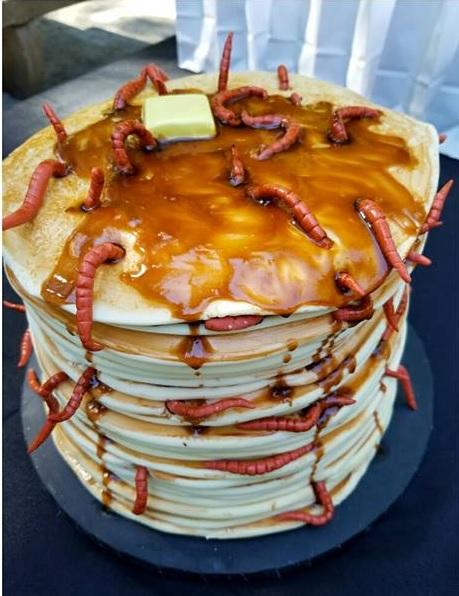 worm cake.jpg