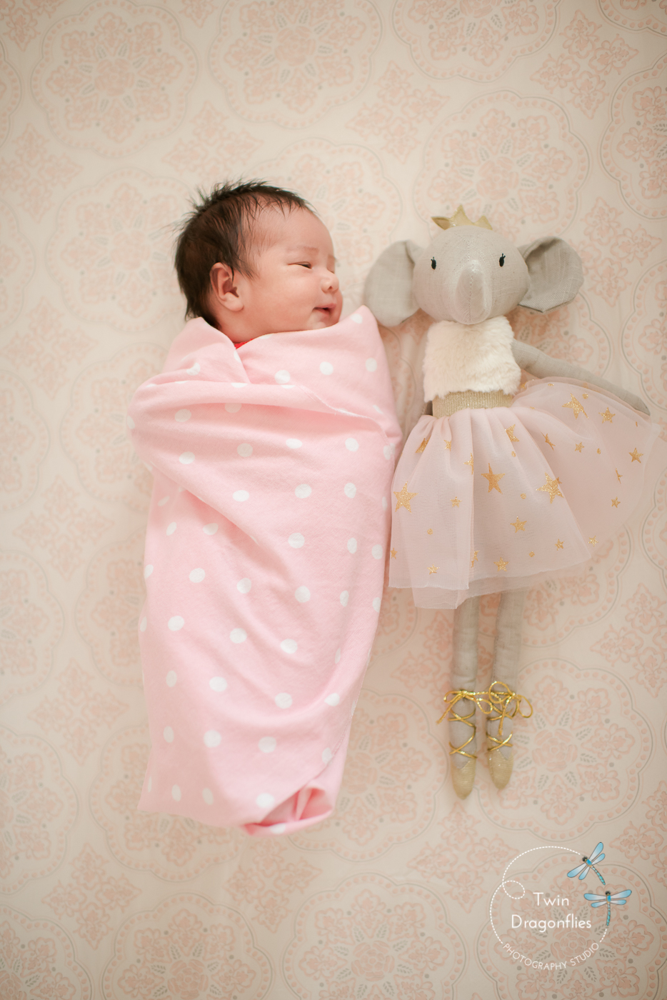 lifestyle-in-home-newborn-photography-san-jose-bay-area-1.jpg