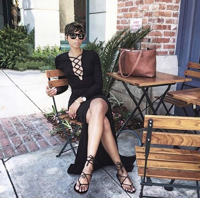 Spring goals with @tosha_eason and the THERESA Tote in Cork. #linellellis #livecompletely