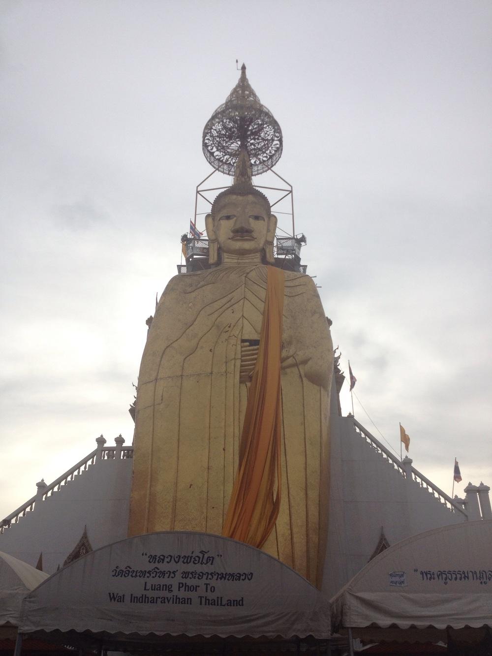 Huge gold Buddah