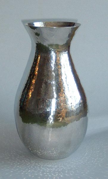 Vase (V1)