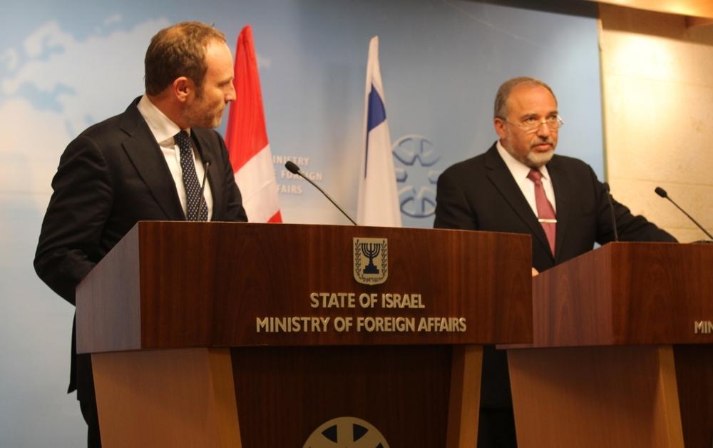 Den danske udenrigsminister, Martin Lidegaard, sammen med sin israelske kollega, Avigdor Lieberman i Jerusalem. Foto:Lena Odgaard