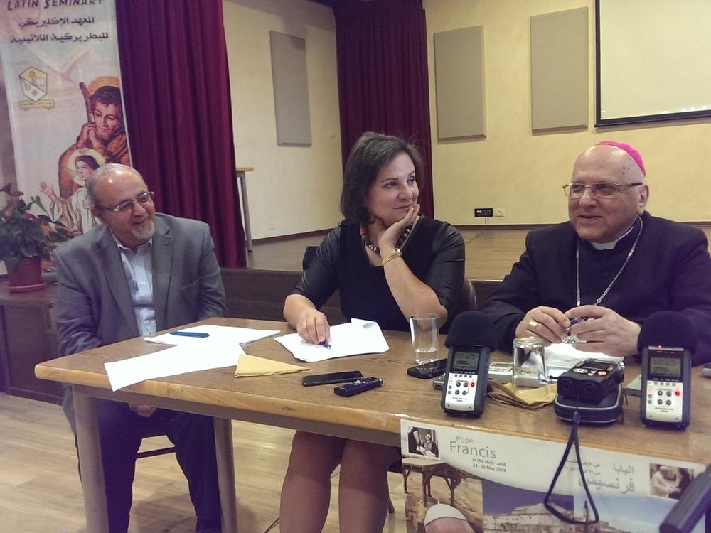 Den katolske patriark af Jerusalem og tidligere biskop, Michel Sabbah, og Hind Khoury, tidligere PA Minister for Jerusalem Anliggender.