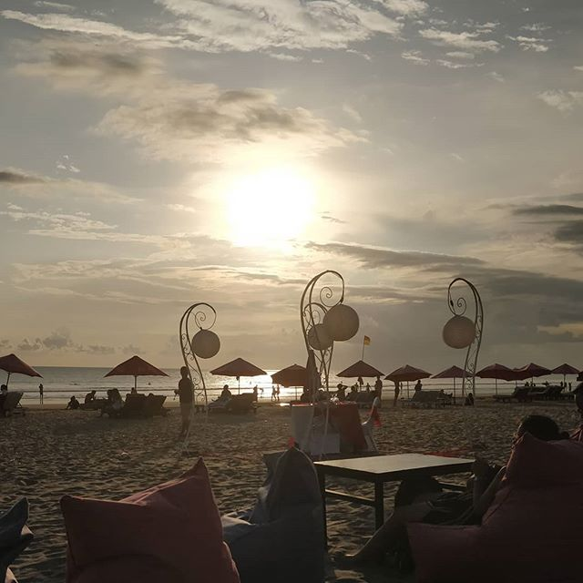 #sunset in #seminyak - life isn't too bad! #holiday #Bali #exploringBali #worldtraveler #beach #nofilter #thegoodlife