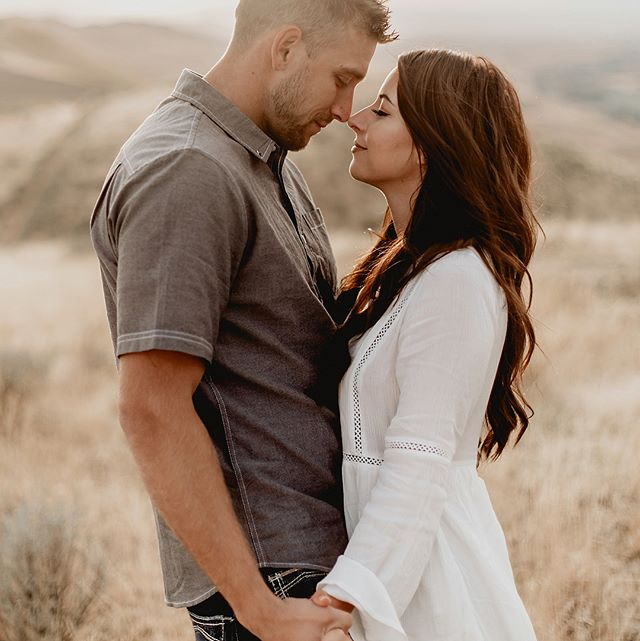 These two claimed to be dorks in front of the camera, but I'd say judging by these images, they were on fire! #naturals #hotties #engagedcouple #truelove #terranycephotography #pnwengagement #wabride #pnwbridetobe