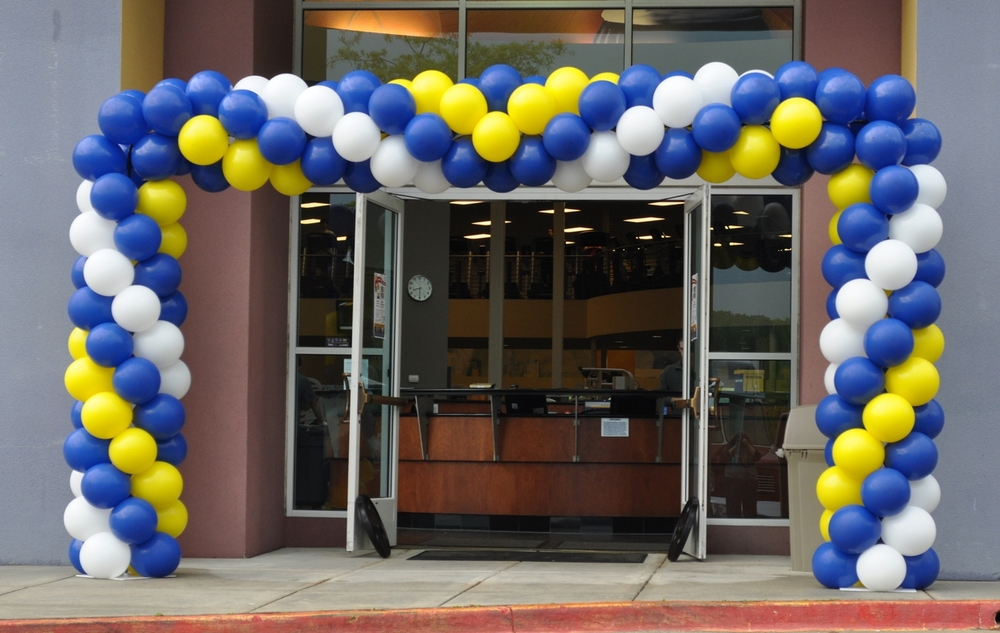 Balloon entranceway for LA Fitness
