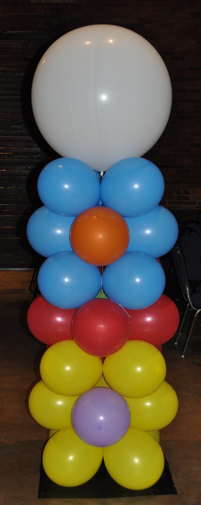 Circus-themed prom balloon column