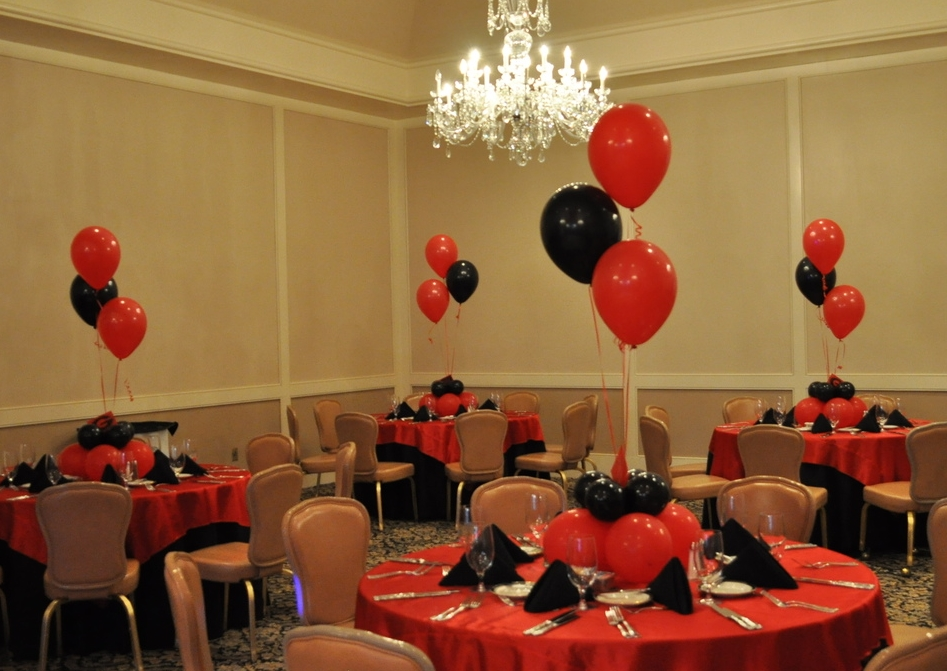 Bar Mitzvah balloon decor