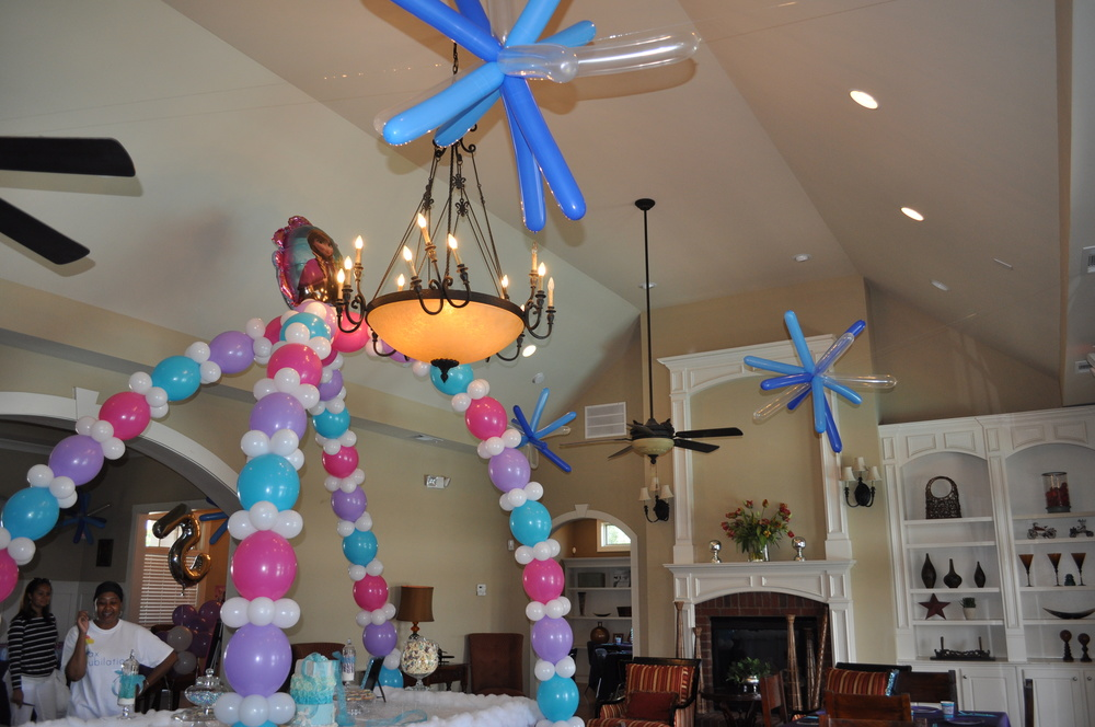 Frozen themed birthday party balloon snowflakes