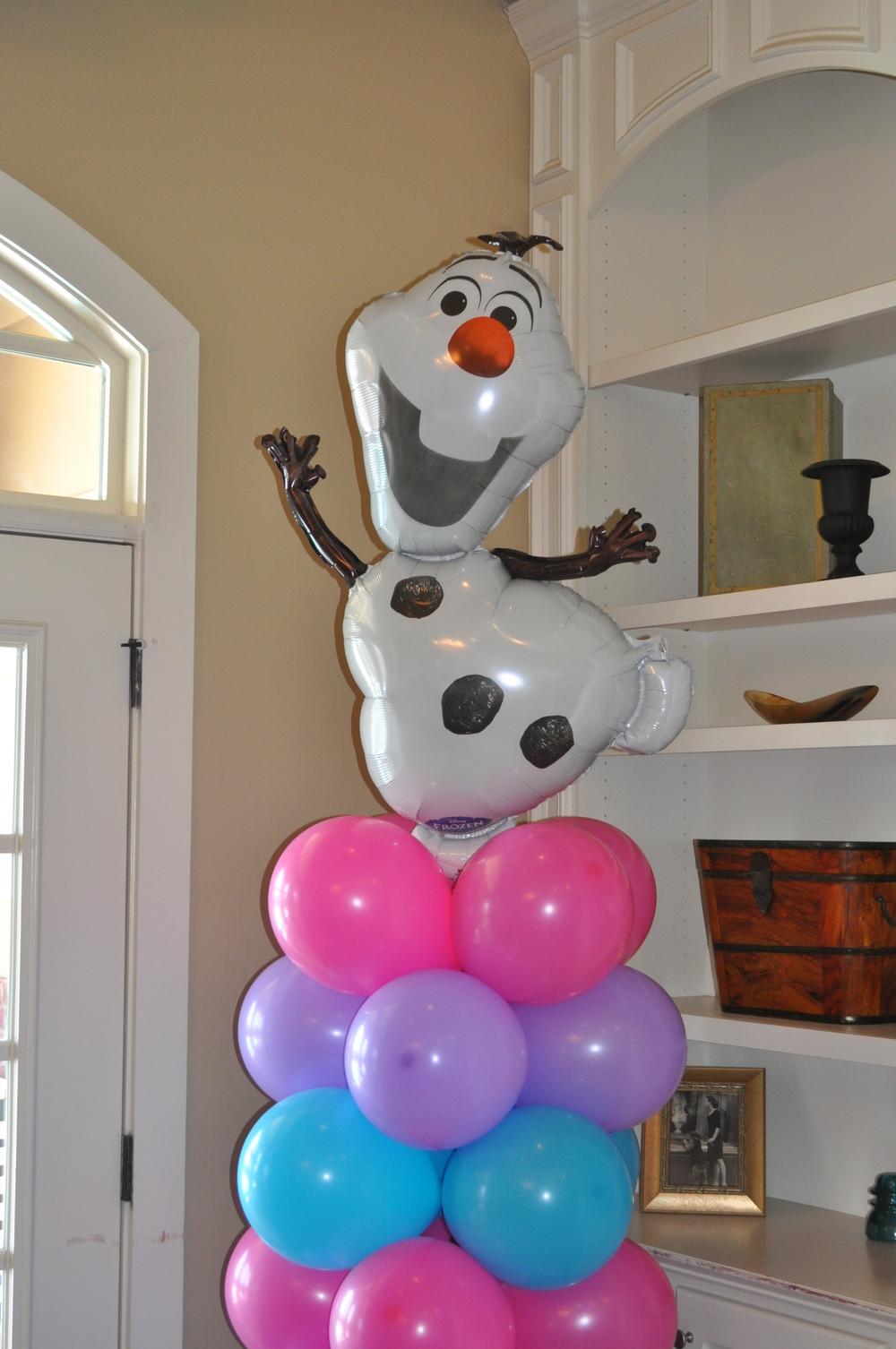 Olaf balloon column