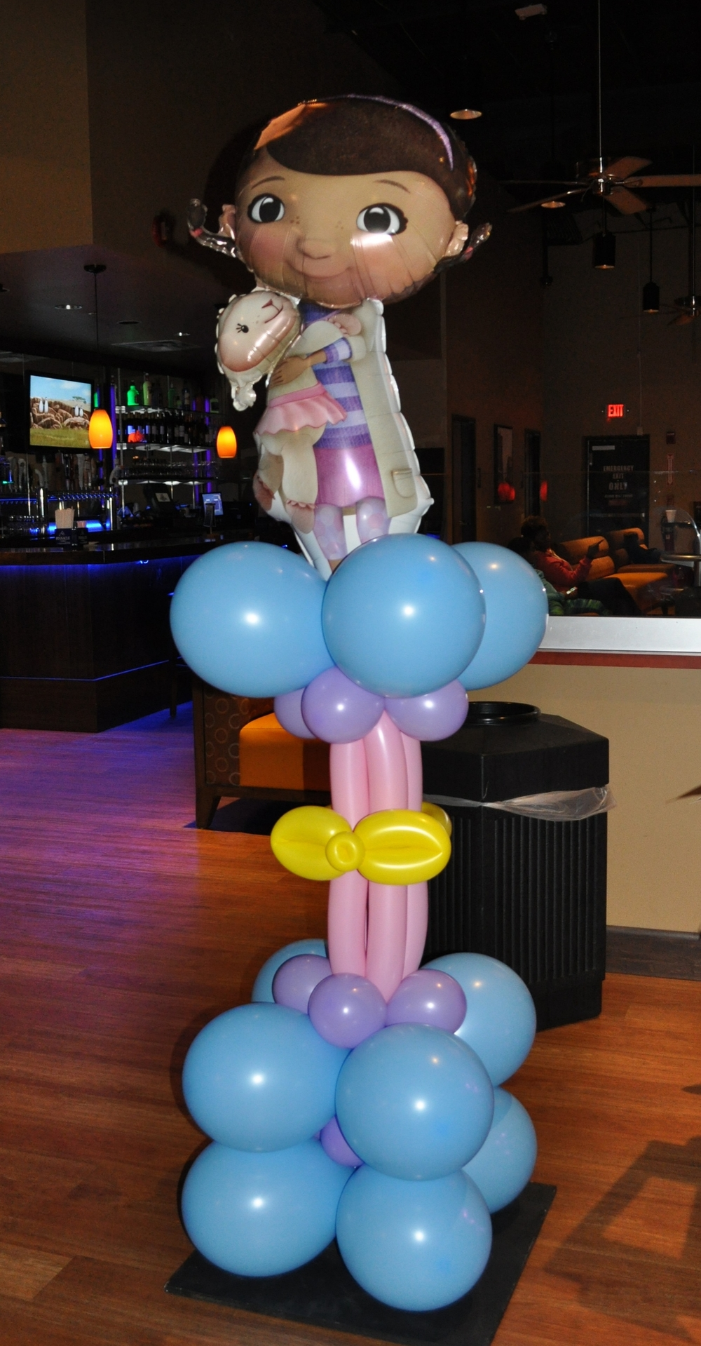 Doc McStuffins birthday baloon column
