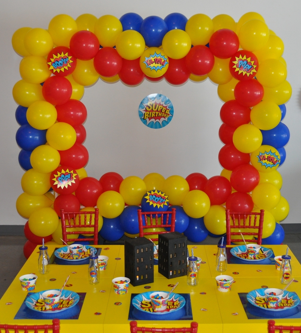 Super Hero balloon selfie station. Tablescape by EllyB Events.