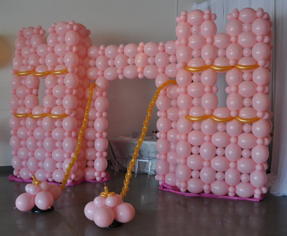 Balloon castle