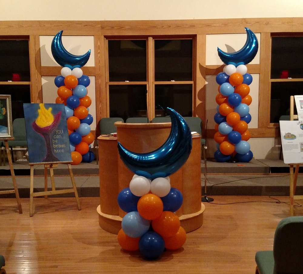 UUMAN fundraiser balloon decor