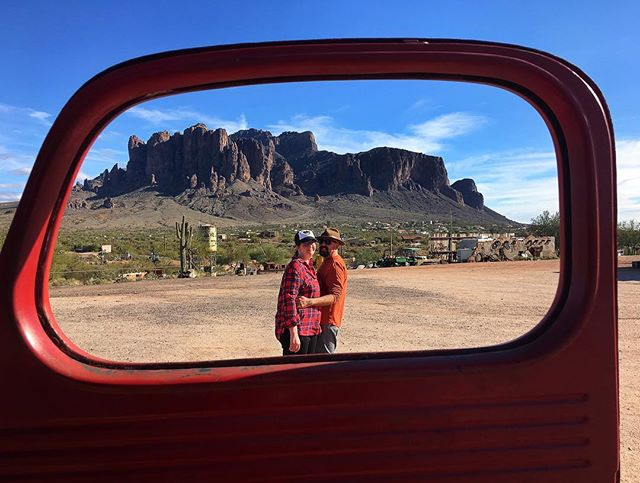 The photographer edits the meanings and patterns of the world through an imaginary frame or, in this case an old truck door. #superstitionmountains #lovers #arizona #arizonaphotographer #apachejunction