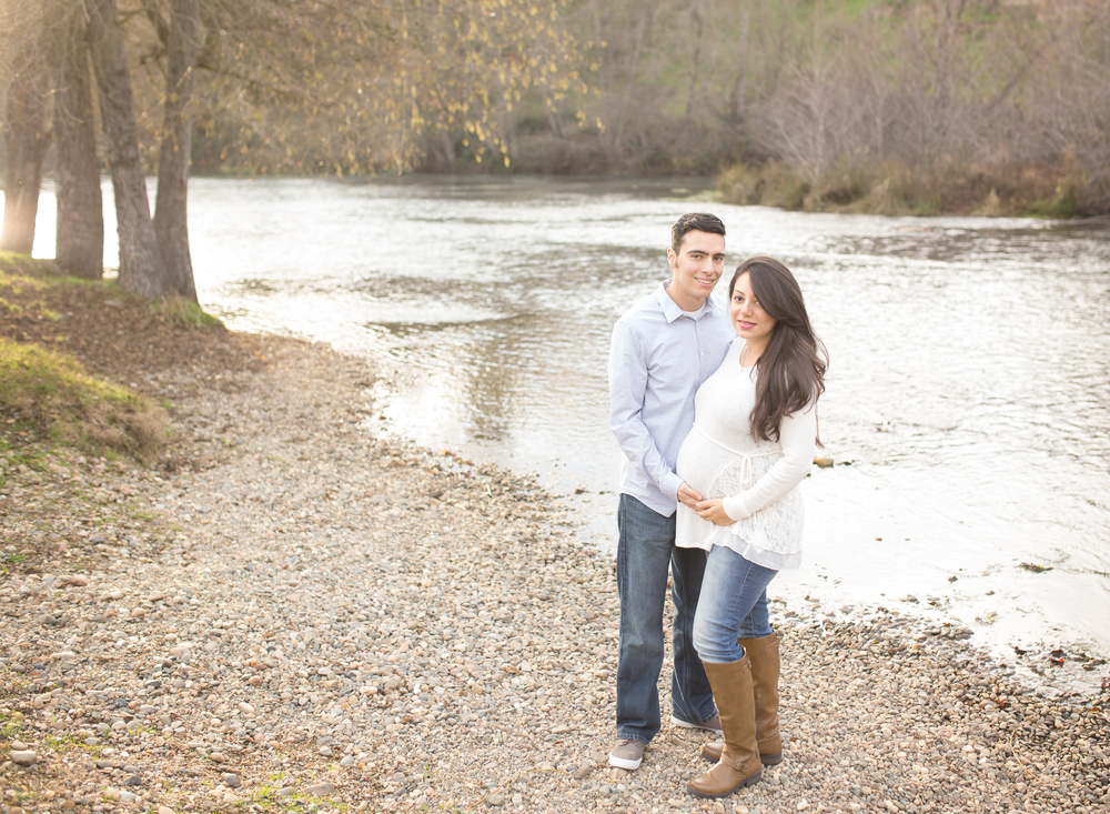 Maternity Photography Mokelumne River - Mary Humphrey