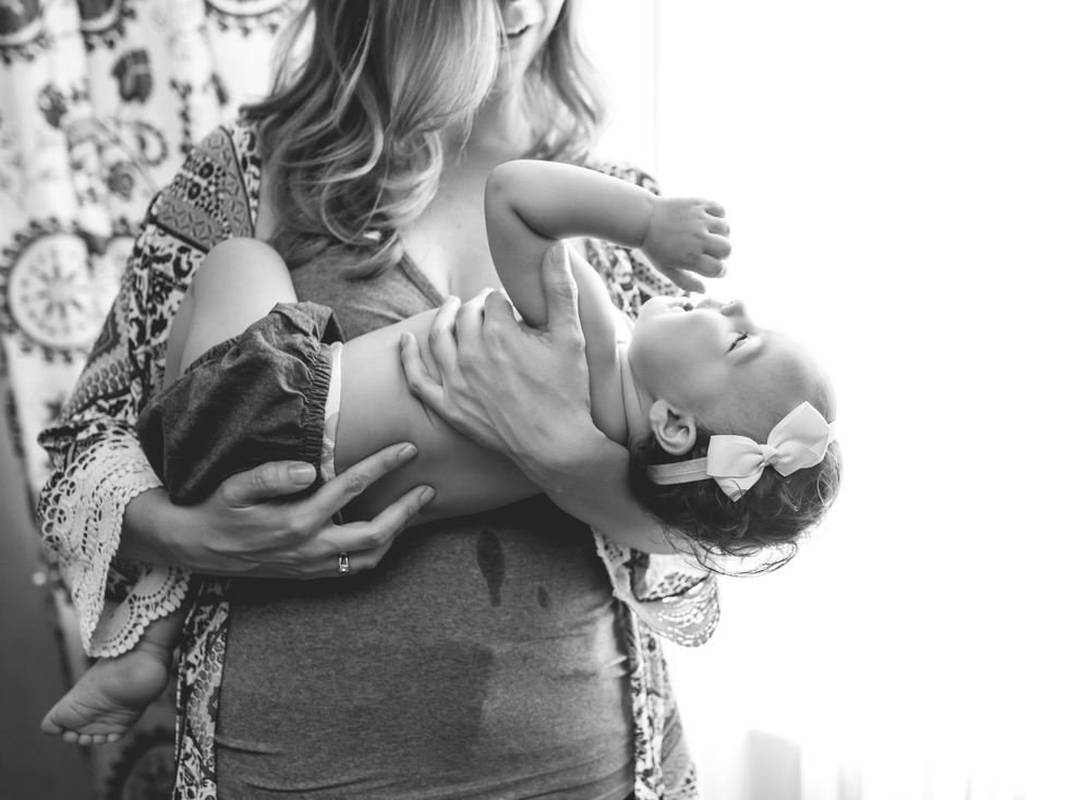 Breastfeeding Photographer | Mary Humphrey Photography