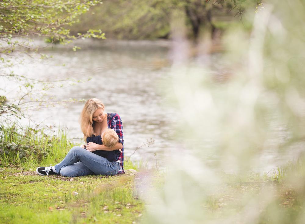 breastfeeding image | Mary Humphrey Photography