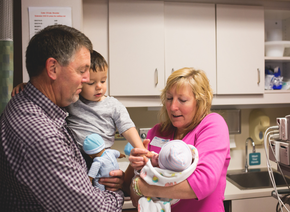 Grandparents + big brother meeting newborn - Mary Humphrey Photography - Elk Grove