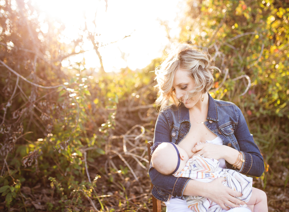 Lodi Lake Nursing Mother | Mary Humphrey Motherhood Photography